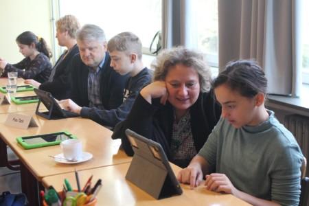 Kerstin Tack in der Gerhart-Hauptmann-Realschule Digitalpakt