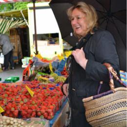18.05.2013 - Misburg - Kerstin Tack startet Marktbesuche durch ihren Wahlkreis