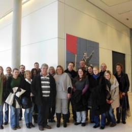 Bild zeigt Kerstin Tack und die Besuchergruppe im Deutschen Bundestag