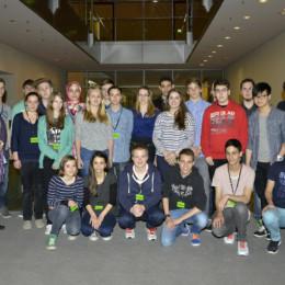 Schülerinnen und Schüler aus Hannover mit Kerstin Tack