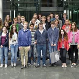 Gruppenfoto der Schulklasse im Deutschen Bundestag