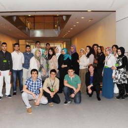 Gruppenfoto der Schulklasse der Leinetalschule im Deutschen Bundestag