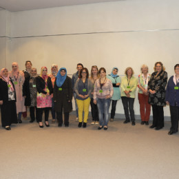 Gruppenfoto von Kerstin Tack mit der Besuchergruppe aus Hannover-Roderbruch