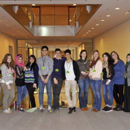 Gruppenfoto der Besuchergruppe im Reichstagsgebäude