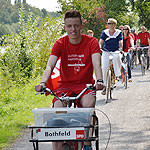 Impression von der Kanaltour am 25. August 2013 - Fahrradfahrer am Ufer des Mittellandkanals