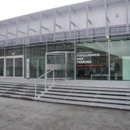Eingangsbereich des Dokumentationszentrums der Topographie des Terrors