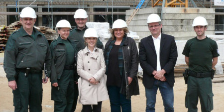 MdB Kerstin Tack unterwegs mit dem Team des Hauptzollamtes Hannover