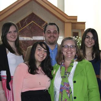 Ann-Sophie Pott mit ihrer Gastfamilie | Quelle: Ann-Sophie Pott